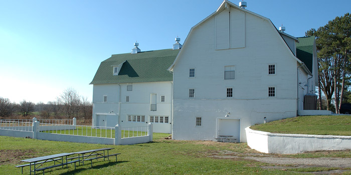 Blue Creek Conservation Area: White Barn
