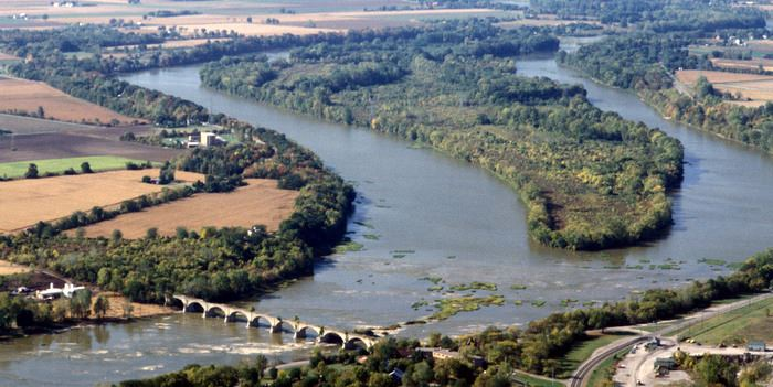aerial-maumee-river-upstream-at-missionaryjpg